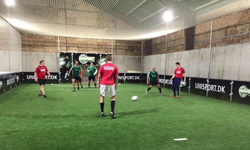 Billedet er fra Fodboldfabrikken i Odense - og har ikke noget med selve landsholdshistorien at gøre. Men man kan spille Futsal på Fodboldfabrikken. Foto: Fodboldfabrikken Odense Havn.