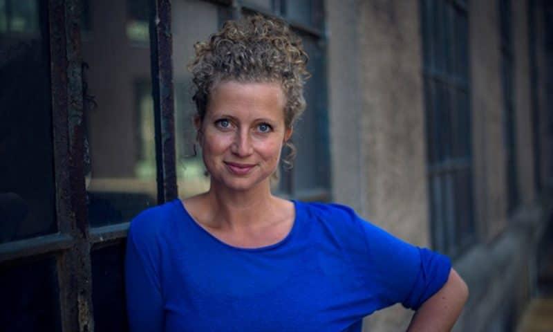Festivalleder Birgitte Weinberger glæder sig over årets program til Odense Internationale Film Festival, der løber i hele ugen (foto: Malene Nelting).