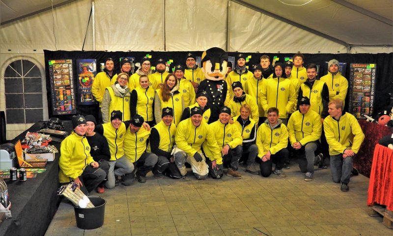 Teamet fra Fyns største fyrværkeriudsalg
