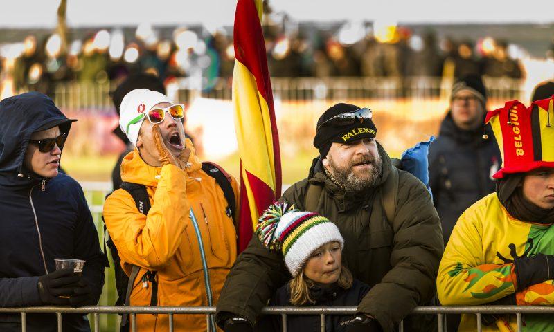 Fans, ryttere og sponsorere kommer fra alle verdenshjørner